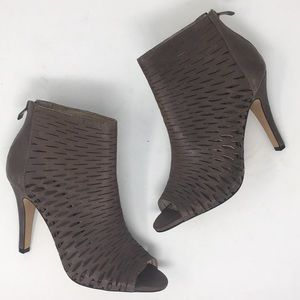 Vince Camuto Heel Ankle Boots Brown Laser Cut 7.5